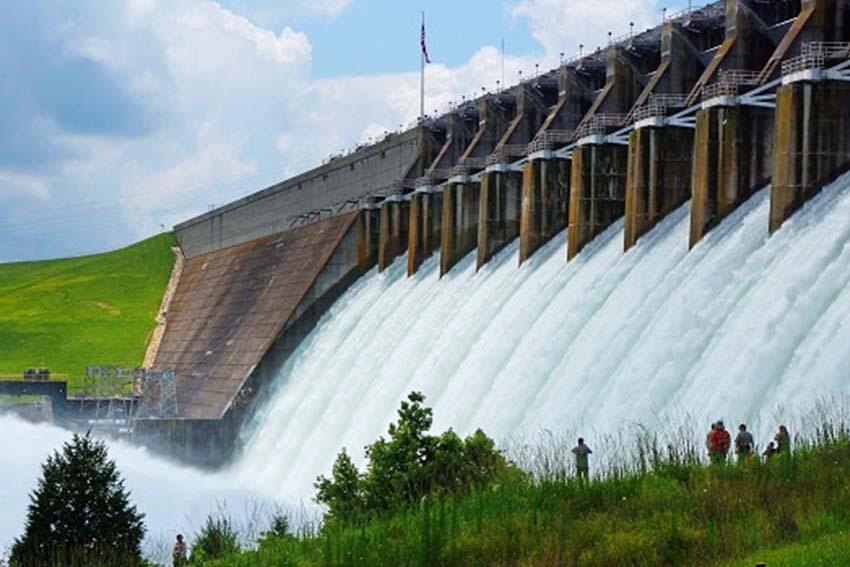 การใช้แรงดันน้ำเพื่อแปลงสภาพให้ออกมาเป็นพลังงานไฟฟ้า